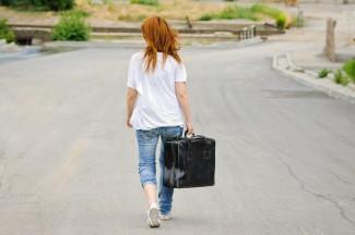 Жительница области бросила двоих детей и уехала в Москву