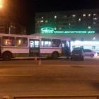 Пассажирский автобус протаранил две легковушки