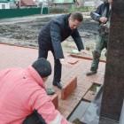 Глава Пензы Виктор Кувайцев остался недоволен качеством работ в сквере 70-летия Победы в Ахунах