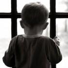 В Пензе малыш закрыл двух женщин на балконе