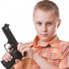 В Пензе шестиклассник пришел на уроки с пистолетом