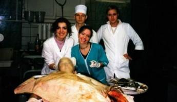 Питерский врач выложила интимные фото из операционной и сделала селфи с покойником