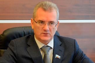 Белозерцев пообещал помочь семье погибшего на ТЭЦ-1