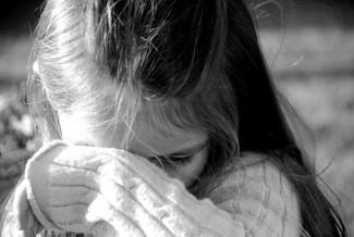 Отец впервые увидел свою несовершеннолетнюю дочь и сразу изнасиловал ее