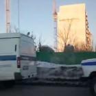 Соцсети: Полицейские и пожарные оцепили путепровод на 8 Марта