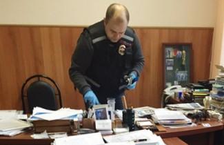 Следком и УФСБ проводят обыски в кабинете мэра Кувайцева