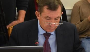Белозерцев поручил Гришаеву «порешать» с переселенцами в Сурске до июля