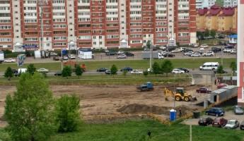 Бывшие подопечные Дрякина роют землю возле нового МРЭО ГИБДД