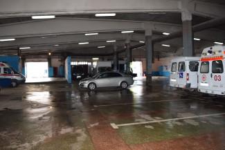 Такси для чиновников. Мэр нашел деньги для бюджета... в гараже
