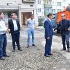 Мэр Пензы Виктор Кувайцев в день выборов объехал дворы и расспросил пензенцев об их проблемах