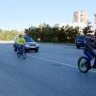 В Пензе чиновники примчались на работу на двух колесах