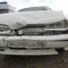 Под Нижним Ломовом столкнулись «Приора» и грузовик, пострадал человек