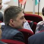 Уральский депутат отказался считать мужчинами тех, кто получает менее 30 тысяч рублей