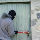 В Камешкирском районе полицейские задержали серийного воришку