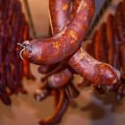 «Росконтроль» сделал печальные выводы после проверки различных сортов колбас в российских магазинах
