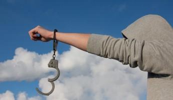 Прокурор Аношин отдал под суд группировку наркодилеров