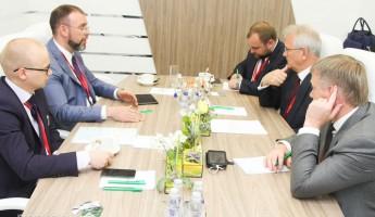 О чем Белозерцев переговорил с возможным инвестором проектов Кочеткова и Согомоняна?