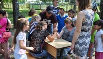 Большой секрет маленького школьного лагеря