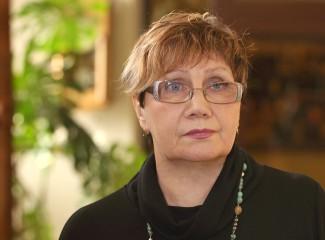 В Пензе с днем рождения поздравили директора Кукольного дома Людмилу Золотухину