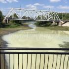 «Молочная река, кисельные берега». Пензенская Сура окрасилась в необычный цвет