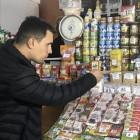 Депутат Николай Бондаренко, выживающий на 3,5 тысячи рублей в месяц, пожаловался на скудность своего меню