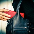 Пензенец-уголовник обокрал молодую девушку в общественном транспорте
