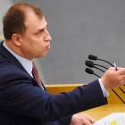 Депутат Госдумы посоветовал людям с высшим образованием идти мыть полы