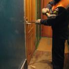 В Пензе напуганный 3-летний ребенок остался один в запертой квартире