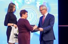 Иван Белозерцев наградил работников дополнительного образования