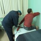 Прикован к кровати. Для того, чтобы освободить пациента детской больницы, пришлось вызвать спасателей