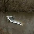 В Пензе в результате ДТП «Лада-Приора» упала с моста