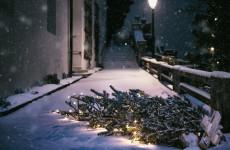 Ледовое побоище. Два вандала разнесли детский ледяной городок