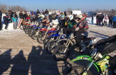 На зимний мотокросс в Кузнецке прибыли участники из шести регионов Поволжья