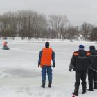 Пензенские спасатели нашли труп мужчины, вмерзший в лед