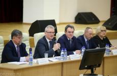 Дороги, аборты и диспансеризация: в Пензе прошел съезд совета муниципальных образований