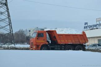 За одни сутки с пензенских улиц вывезли более 9000 кубометров снега