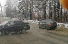 В Пензе на улице Окружной разбились две легковушки