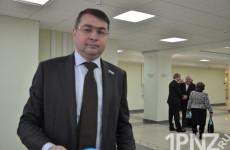 Сергей Лисовол был замечен на работе