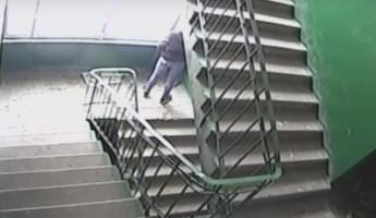 «Писающий мальчик» из Пензы попал в объектив камеры видеонаблюдения