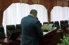 «Отцы города» перед выборами демонстрируют себя с  обратной стороны