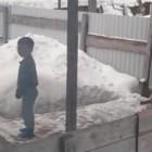 Пензячка наказывает детей, выгоняя их голыми в холод на улицу