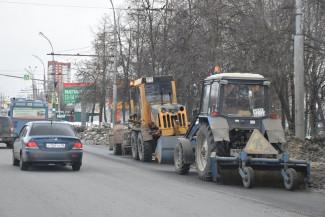 Пензенские коммунальщики активно очищают город от пыли и мусора