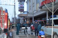 «Сначала никто не поверил, что пожар настоящий». Как в Пензе эвакуировали ТЦ «Пассаж» (Фото)