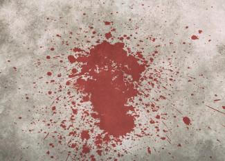 Уголовник из Пензы во время подъездной пьянки пырнул ножом пенсионера