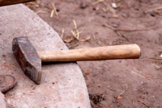 Кузнечанин четыре месяца прятал у себя во дворе труп знакомого мужчины