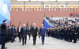 Владимир Путин поздравил россиян с Днём Победы