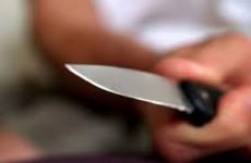 Житель Пензенской области приставил нож к горлу глухонемой тети, вымогая деньги