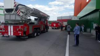 ЧП! Пензенцев эвакуировали из «Коллажа» из-за возгорания