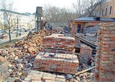 Участки обследованы до материка. В Комитете по охране памятников пояснили, стоит ли дальше копать оборонительный вал