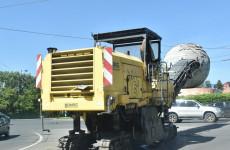 На улице Суворова в Пензе ремонтируют просевший асфальт